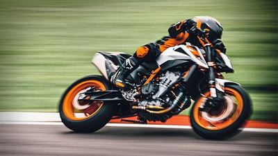 KTM 890 Duke R: Live streaming παρουσίαση