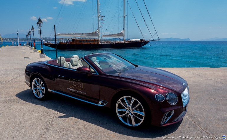 H Bentley Continental GT W12 Convertible στις Σπέτσες...
